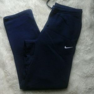 Nike mead track and field pants nwt med